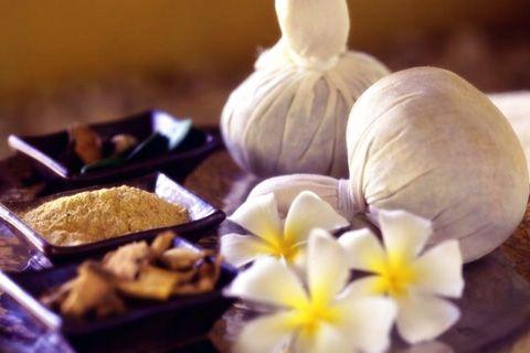 Masaje con Pindas | Centro de masajes en Salamanca | Estetica 5 Sentidos
